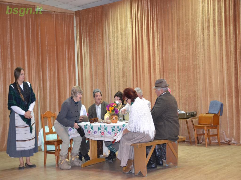 """2018m. Tarptautinės pagyvenusių žmonių dienos proga spektaklis """"Ženteliai"""""""